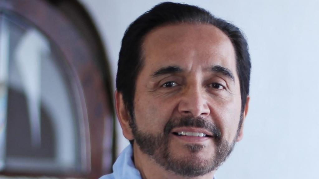Dr. Fernando Leon