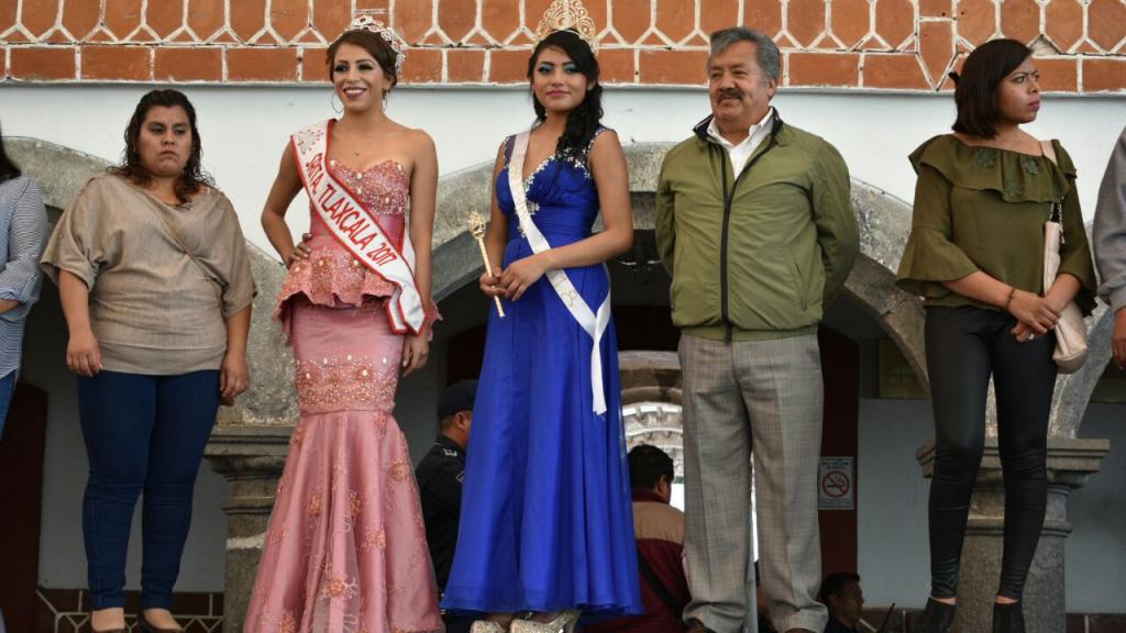 Alegría llena a Ixtacuixtla, arranca carnaval con desfile